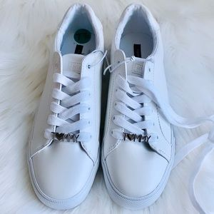TOMMY HILFIGER - White Sneakers